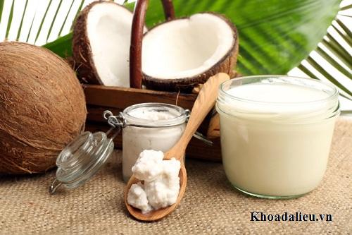 Phương pháp chữa trị rụng tóc ngay tại nhà đơn giản với dầu dừa